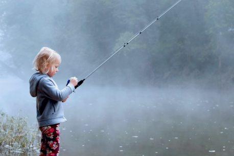 Vacanza di pesca in Lapponia per famiglie